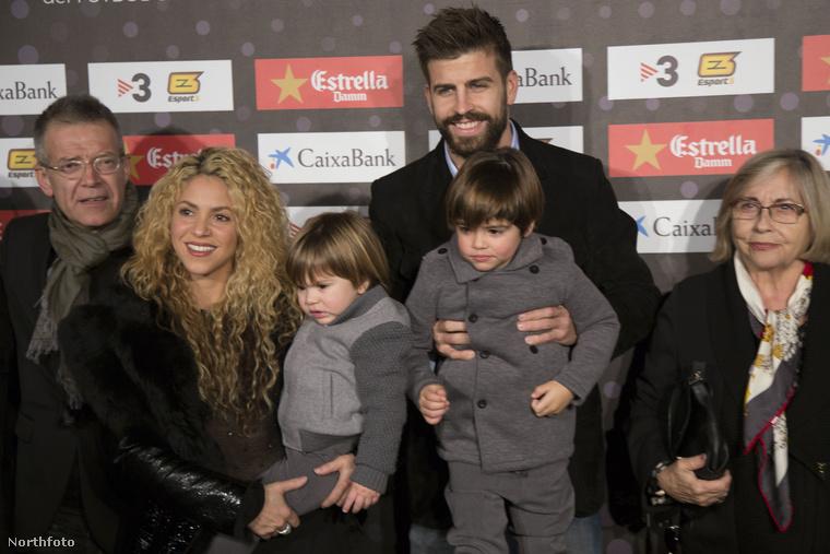 Shakira és férje Gerard Pique focista díjat mentek átvenni tegnap este, méghozzá az 5