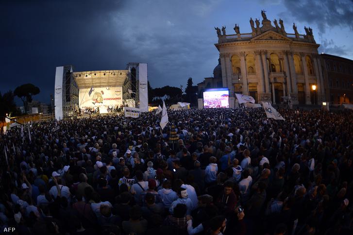 Az M5S gyűlése a római San Giovanni téren 2014 májusában