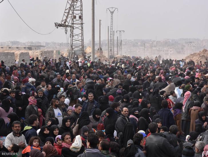 Evakuálják a lakosságot Aleppo keleti városrészeiből 2016. november 29-én