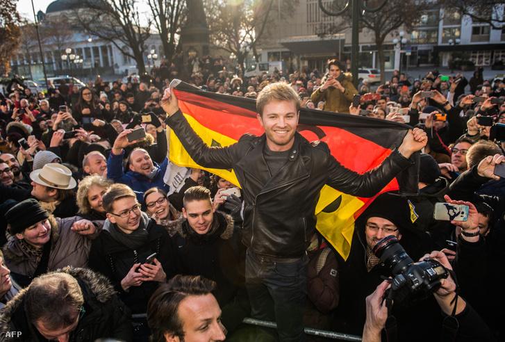 A világbajnokot tömegek várták Wiesbadenben