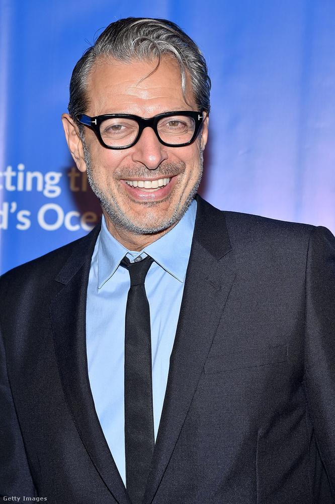 Jeff Goldblum sármos ma is, és a Jurassic Park idején is az volt