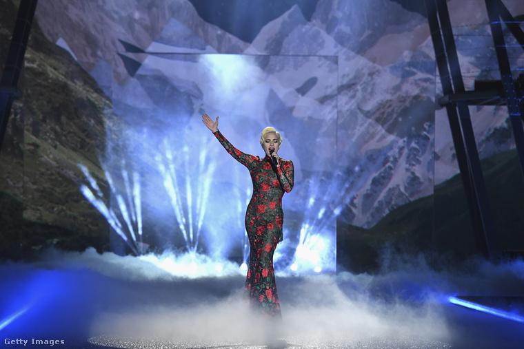 ...és Lady Gaga.