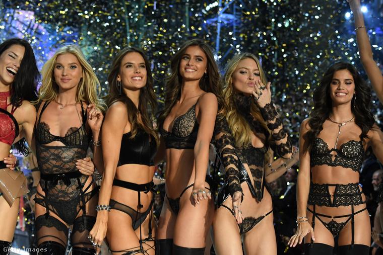 A Victoria's Secret éves bugyibemutatói pont olyanok, mintha betévednénk egy fehérneműbolt HATALMAS próbafülkéjébe.Megmutatjuk, milyen volt az idei.