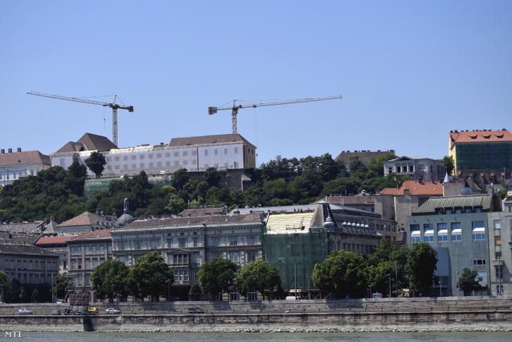Az átépítés alatt álló Karmelita kolostor