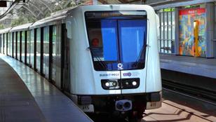 Összeütközött két metró a Pillangó utcánál