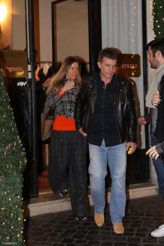 A spanyol színész tavasszal Budapesten is tiszteletét tette, de most azért van az olasz fővárosban, mert ő fogja alakítani Andrea Bocellit a népszerű operaénekesről szóló életrajzi filmben (The Music of Silence)