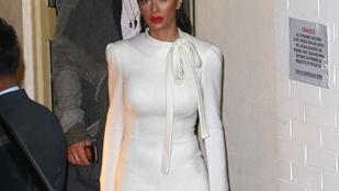Megfejtettük, miért szenved a ruháiban Nicole Scherzinger