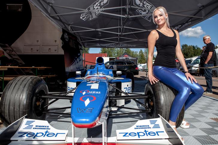 Damon Hill, Hungaroringen eltűnt autója végül megkerült, és a Rockmotorsport tulajdonában, teljes harci díszben várja a vendégfellépéseket egy imatrai garázsban