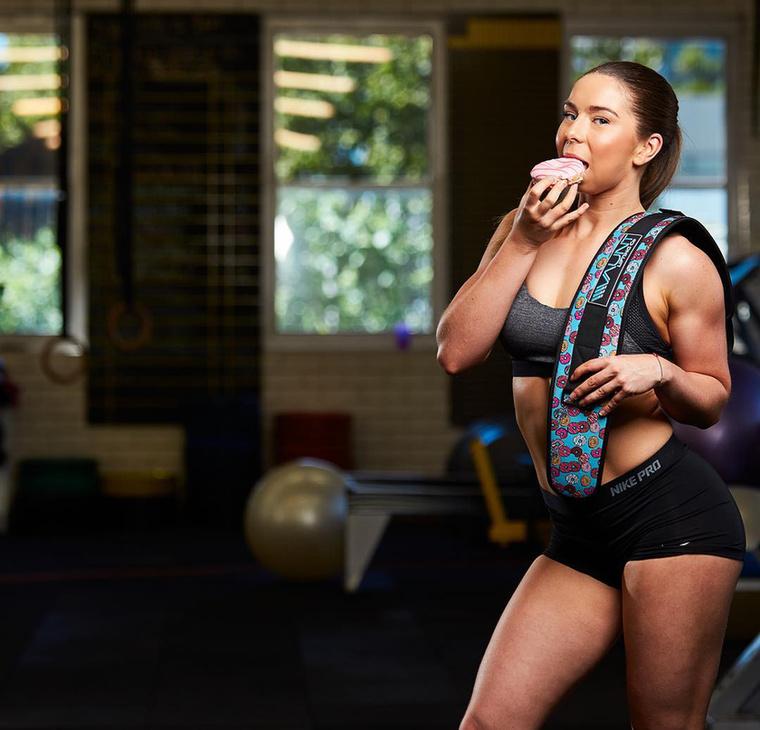 A fitneszesek általában szigorú diétával sanyargatják magukat, miközben már a szénhidrátok gondolatától is heves émelygés fogja el őket