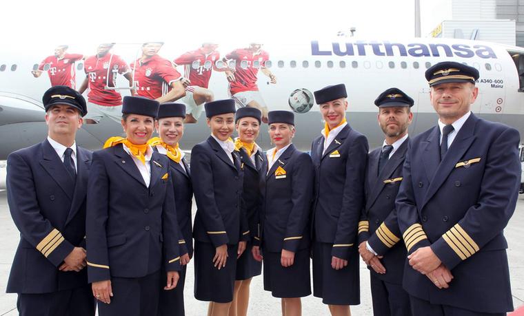 A német Lufthansa csapata általában több nemzetiségű férfiból és nőből áll össze, amitől máris érdekesebb lesz a felhozatal