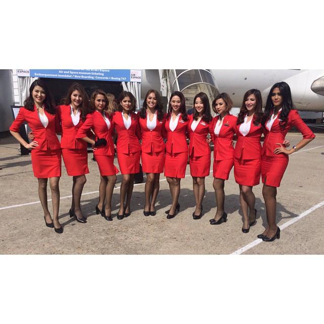 Az Air Asiánál dolgozó nők nem kapnak túl sok esélyt arra, hogy kitűnjenek a többiek közül