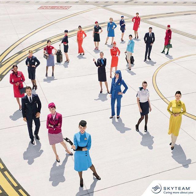 Vitatkozhatnánk arról, miért jó vagy éppen borzasztó csalódás légiutas-kísérőként dolgozni, az viszont tény, hogy sok nő űzi a szakmát