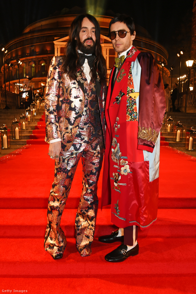 Na itt pedig Alessandro Michele, a Gucci rém kreatív igazgatója riogat Jared Leto segítségével.