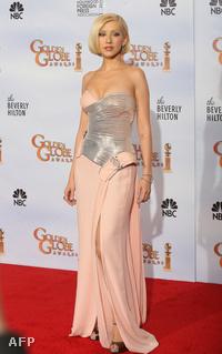 Golden Globe kiosztó: Christina Aguilera egyik  melle fém, másik rózsaszin.