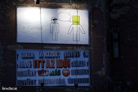 v2010 plakatok 21