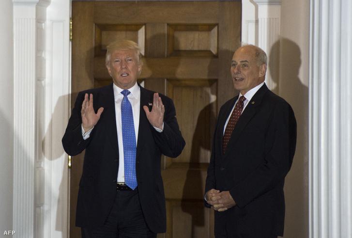 Donald Trump és John Kelly a Trump National Golf Clubban