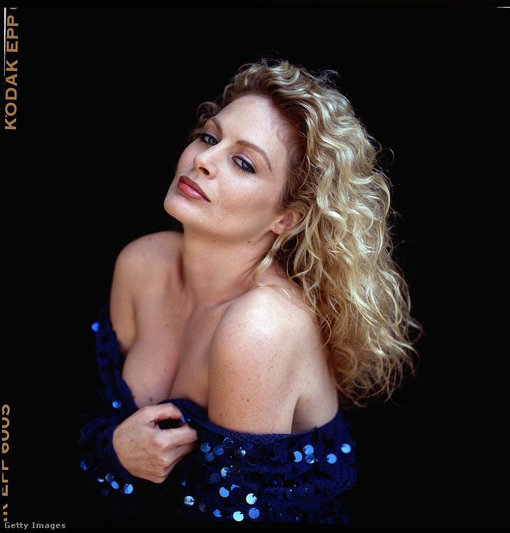 Végül pedig nézze meg Beverly D'Angelót 1991-ből.
