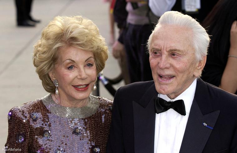 A feleségével Anne Buydensszel 1954-ben házasodtak össze