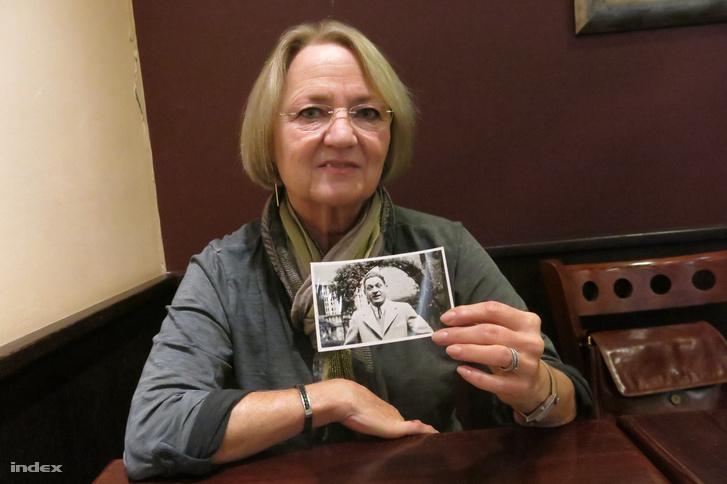 Lajosné Asboth Beatrix, nagyapja fotójával