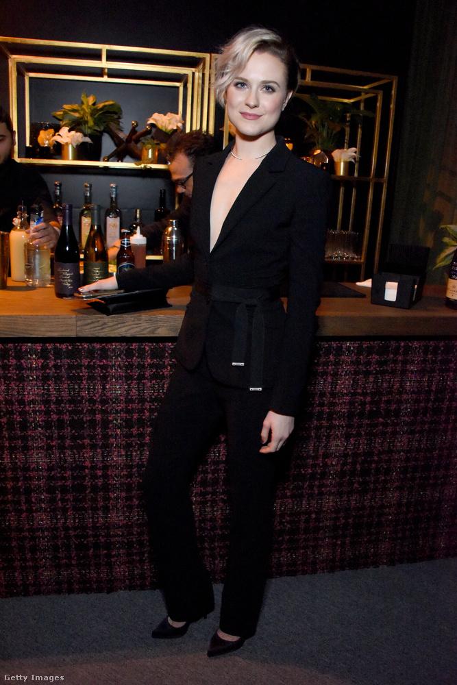 Evan Rachel Woodot legutóbb a Westworld című sorozatban láthatta