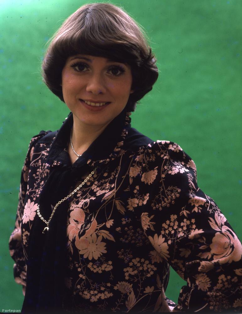 Katona Klári énekesnő egy 1978-ban készült színes fényképen