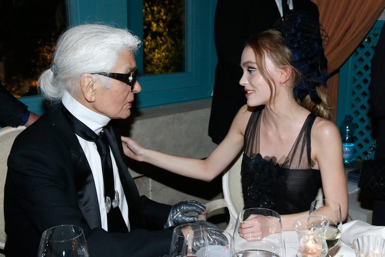 Láthatóan a Chanel vezető tervezőjével, Karl Lagerfelddel is klasszul megértik egymást
