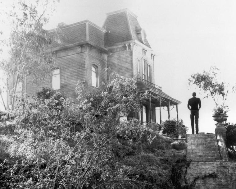 Mindig is tudni akarta, hogy kedvenc horrorjainak jellegzetes helyszíneit merre találja a valóságban? Akkor a lehető legjobb helyen jár, hiszen posztunkban pont ezekről lesz szó