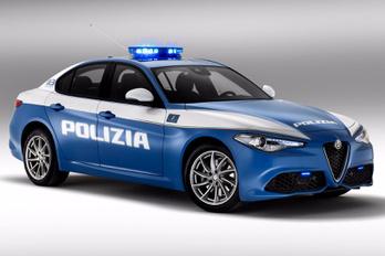 Egyenruhában az Alfa Giulia