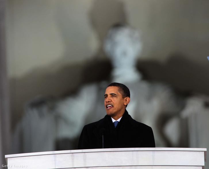 Obama beiktatásakor 2008-ban a Washington emlékmű előtt