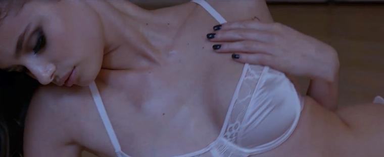 Erre föl vannak most itt ezek a képek a Victoria's Secret egyik arcáról és angyaláról.