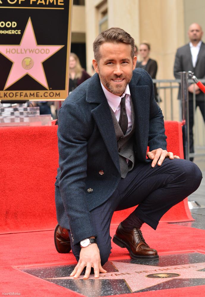 Ryan Reynolds december 15-én kapott egy csillagot a Hollywoodi hírességek sétányán.