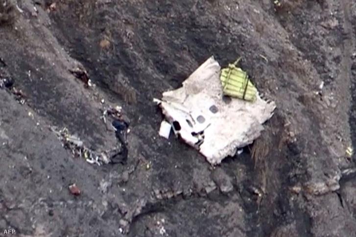 A lezuhant Germanwings gép egy darabja