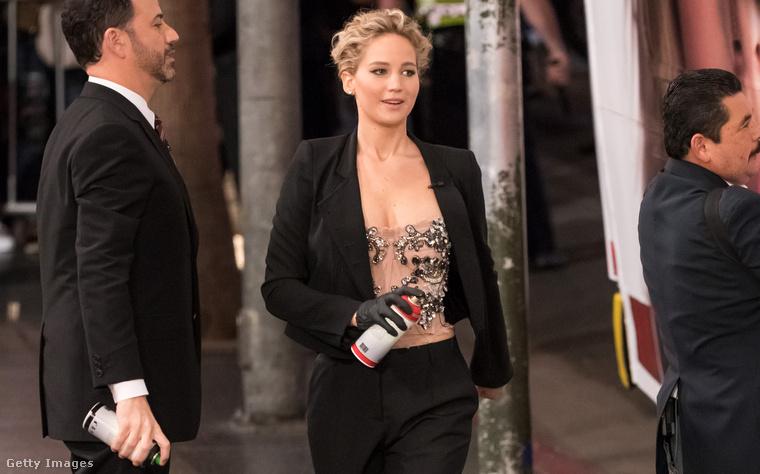 Jennifer Lawrence hétfőn Jimmy Kimmelnél.