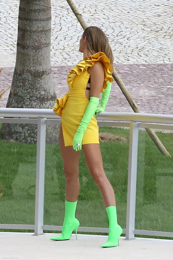 Mint egy jövőbeli szuperhős: így is fotózták Gisele Bündchen brazil modellt a hétvégén, de ez még nem minden.