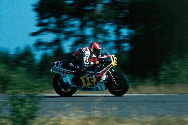 1982-ben jött az NS500: a kétütemű V3-as 127,5 lóerőt tudott, ennek 113 kilót kellett mozgatnia. Első versenyén Freddie Spencer dobogóra állhatott vele, a szezon közepén a Belga Nagydíjat megnyerte