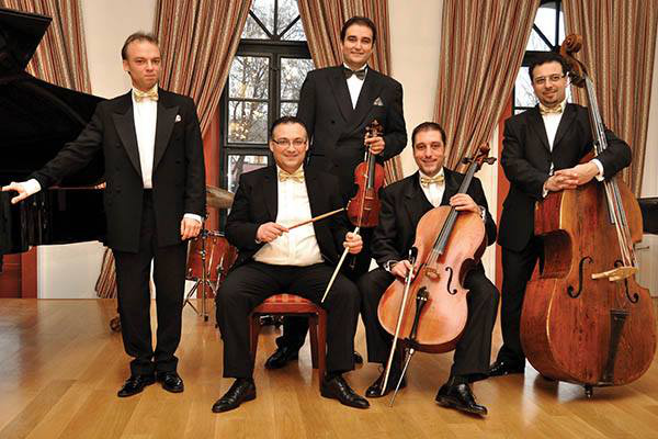 Kék Duna Koncert-Szalonzenekar