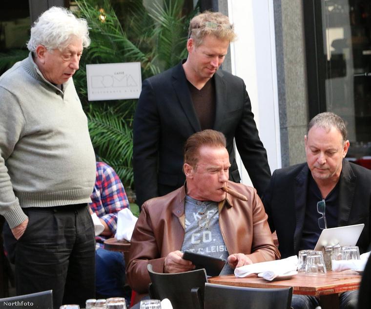 Kalifornia exkormányzója egy üzleti ebédet tartott, ehhez próbált csatlakozni Stallone.