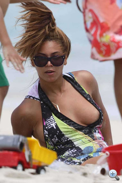 Kattintson Beyoncé mellbimbójáért!
