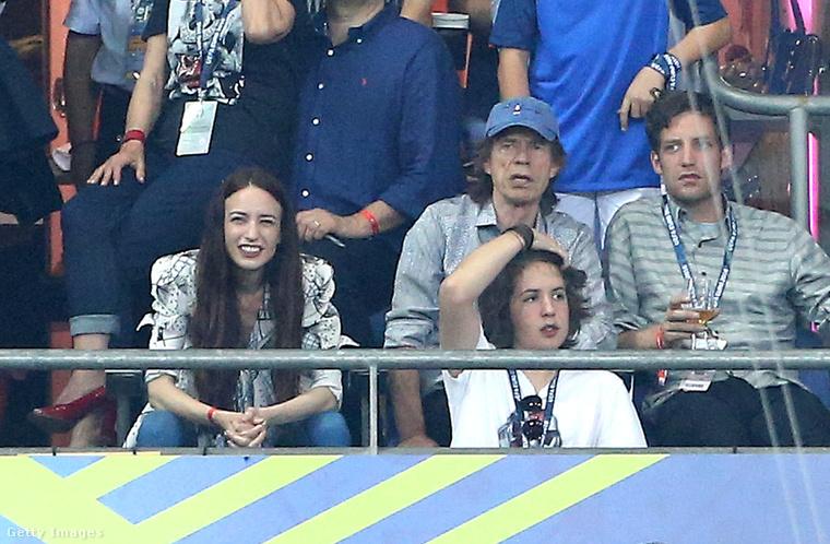 A futballért is rajongó édesapa három gyermekével nézte az idei foci-EB döntőjét Párizsban
