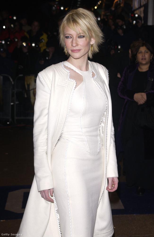 a valóságban is gyönyörű Cate Blanchett alakította
