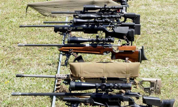 Fegyverek a rendőri és katonai mesterlövő világkupán a Nagytétényi lőtéren