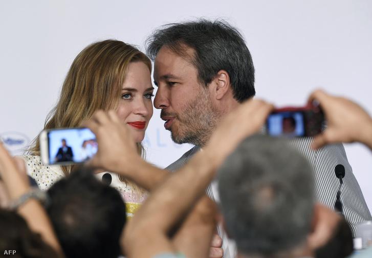 Denis Villeneuve és Emily Blunt a Cannes-i filmfesztiválon, a Sicario bemutatója után