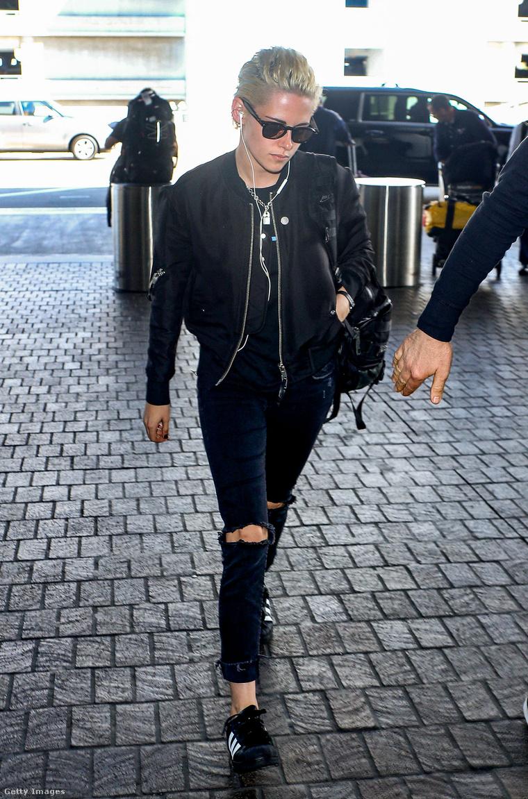 Kristen Stewart napszemüvegben.