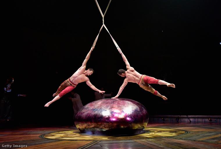 Napcirkusz! Azaz: Cirque du Soleil! Ez a felvétel a Kurios című előadás próbáján készült Bostonban.