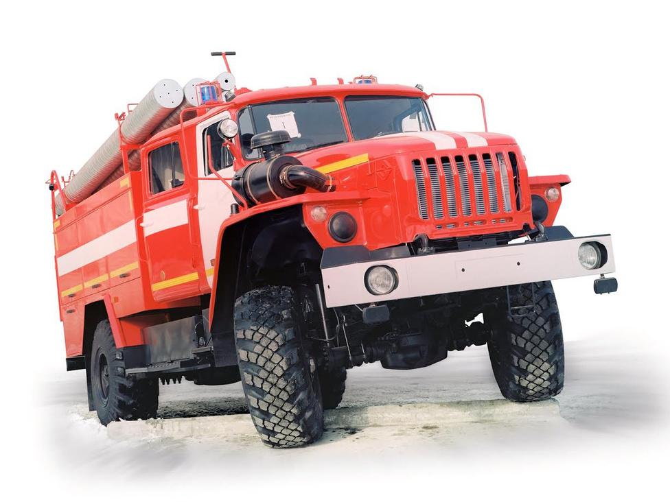A gyárat 1993-ban egy súlyos tűzeset majdnem teljesen ellehetetlenítette. Az új motorgyártó csarnok a tűzben teljesen megsemmisült, ezért újra motorok után kellett néznie az Ural vezetésének. A JaMZ motorgyártó sietett az Ural segítségére, de az új motorok nagyobb méretűek voltak, mint a korábbiak. Ezért a mérnökök a 4320-as orrát meghosszabbították, a légszűrőt pedig a motortéren kívülre tették, és a lámpatesteket a lökhárítóba helyezték. Egyébként a mai napig JaMZ motorjait szerelik az Uralokba.