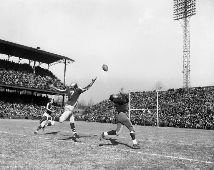 A Washington Redskins és a Philadelphia-Pittsburgh Steagles 1943-as meccse