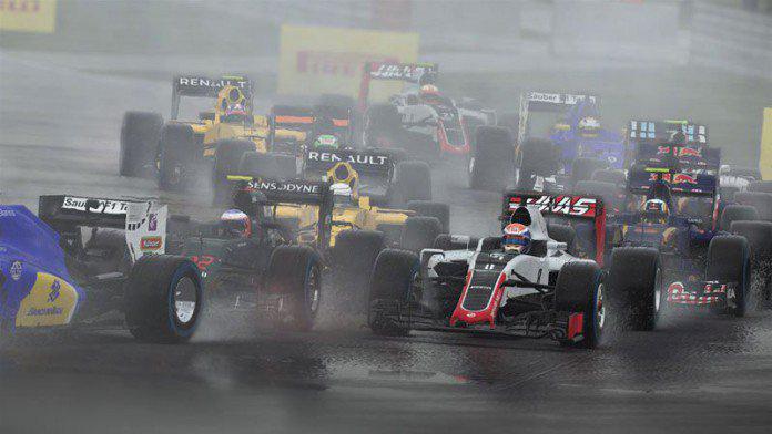 F1 2017                         Az F1 2016 egy nagyon valósághű játék volt, a sorozat korábbi részeivel ellentétben 10 teljes szezonnal és 21 versenypályával