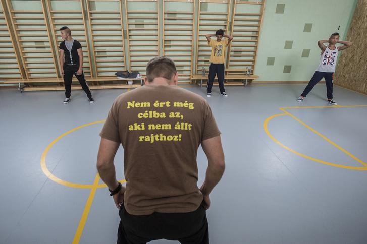 Testnevelésóra az iskola 2014-ben átadott tornatermében
