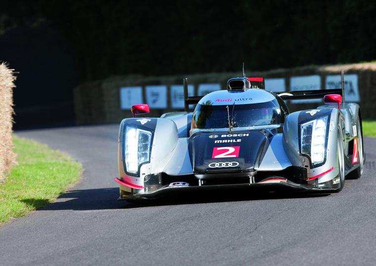 Ebben az évben Le Mans-ban is új korszakot nyitottak az R18 TDI-vel