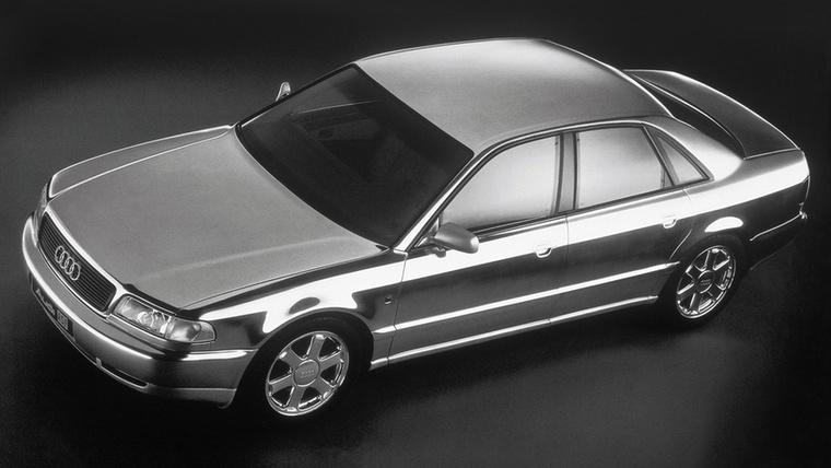 Audi ASF: az 1993-as Frankfurti Autószalonon mutatták be a tanulmányt, amely az A8-nak ágyazott meg